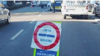 Detenido por cuadruplicar la tasa de alcohol y chocar contra cuatro vehículos estacionados