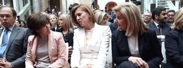 Cospedal y Santamaría escenifican su `reconciliación´en la jura del cargo de Garrido