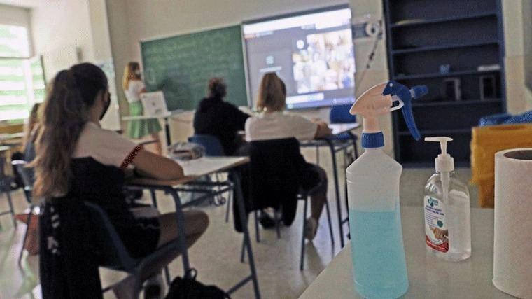 Madrid reacia al aprobado general del curso planteado por el Ministerio