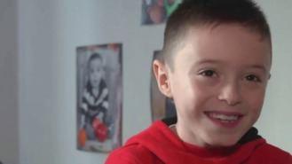 Un niño de 8 años con leucemia necesita un trasplante urgente de médula