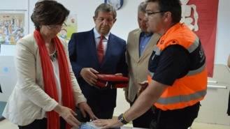 El Ayuntamiento cede un desfibrilador al Liceo Moliére