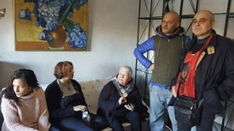 Una madre y sus dos hijos se libran del desahucio por la huelga del 8-M