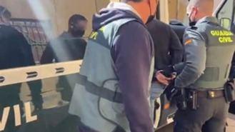 Detenido un okupa por amenazar con un palo a los vecinos que protestaban