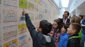 Escolares de Primaria muestran en 300 dibujos lo que más les gusta de la localidad