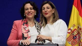 La ministra de Trabajo fija como objetivo en su toma de posesión derogar la reforma laboral