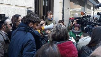 Paralizado de nuevo el desahucio de una mujer y su hija de 6 años en Vallecas