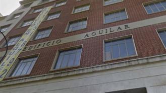 Los ultras neonazis de Hogar Social okupan el antiguo edificio Aguilar, en Juan Bravo