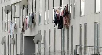 El Ayuntamiento dejará de pagar la luz del edificio ocupado