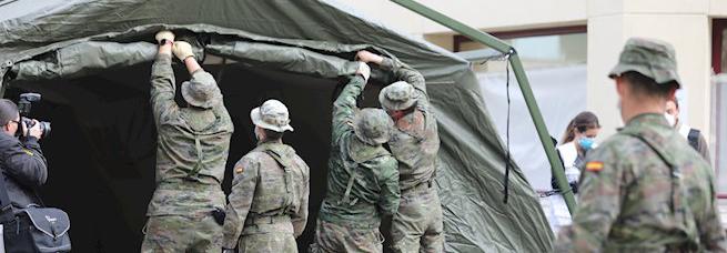 Efectivos del Ejército instalan carpas anexas a las Urgencias del Marañón