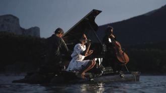`El Piano del Lago, recital acuático en el Embalse de San Juan hasta el 30-J