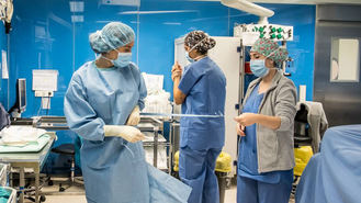 Enfermeros denuncian ante el Supremo a Illa y Sánchez por un delito contra la seguridad