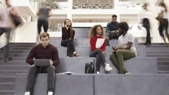 UE busca a los '#Erasmusbabies, hijos de parejas `erasmus´