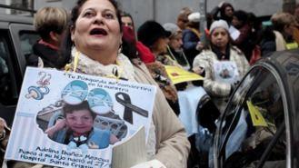 Víctima de `bebés robados´lleva a juicio a un laboratorio por error de ADN con su hija