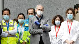 Escudero cifra en más de 300.000 madrileños los afectados por el virus