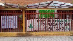 Las AMPAS denuncian la falta de 30 profesionales en los centros educativos