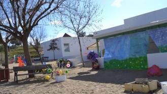 Piden la 'inmediata revisión' de las escuelas infantiles tras la caída del techo de una de ellas