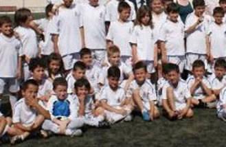 Renovado el convenio de la escuela sociodeportiva de fútbol