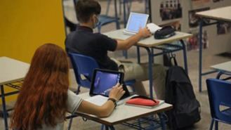 `Plataforma por la escuela pública´se concentra contra la supresión de aulas