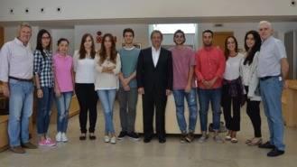 Los estudiantes becados en la UAX colaborarán en programas municipales