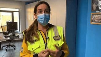 Personal de Metro slva la vida con un desfribilador a un pasajero en parada cardiaca