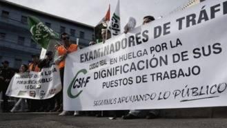 Los examinadores de tráfico prolongarán la huelga en octubre