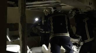 Un hombre de 31 años herido grave en una potente explosión en un chalé
