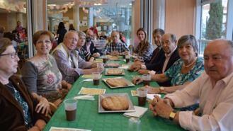 Más de un centenar y medio de mayores se dan cita en la Fiesta de San Marcos