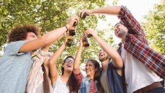12 municipios piden adelantar horario de cierre de las fiestas por las reyertas