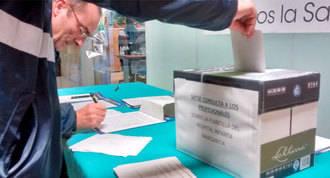 Recogida de firmas para pedir un aumento de la plantilla de enfermería en la región