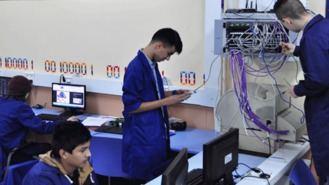 65 alumnos de FP en Informática sin plaza, el alcalde pide una solución urgente
