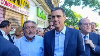 Gabilondo y Hernández, incómodos con la foto de 'cuatro hombres paseando por Vallecas'