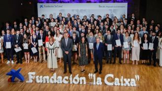 Fundación 'la Caixa' y CaixaBank entregan material a16.200 alumnos