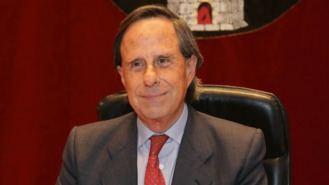 C.s y PSOE negocian para arrebar la alcaldía a García de Vinuesa (PP)