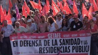 Más de 1.000 personas se manifiestan por la sanidad y las residencias públicas