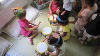 IU recurre la adjudicación de las escuelas infantiles ante el Tribunal de Contratación regional