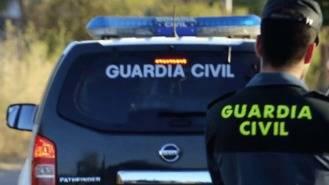 Huyen tras disparar a agentes de la Guardia Civil que seguían a un camión en la R-4