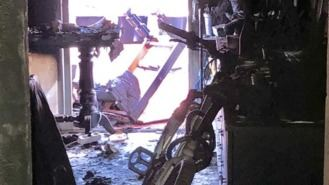 Un herido grave por quemaduras y otra intoxicada en el incendio de una vivienda