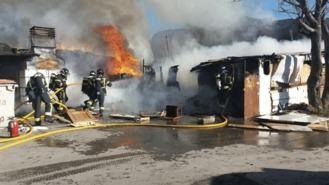 Un incendio quema varias chabolas en un descampado de Fuencarral sin provocar heridos