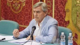 El exalcalde de Villaviciosa en el banquillo: Tacha de 'farsa' la acusación