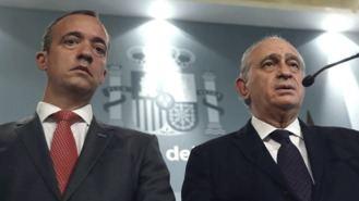 La cúpula de Interior del PP dio la residencia a un venezolano por información de Iglesias