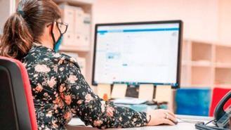 Un tercio de jóvenes que trabajan antes de la pandemia, en paro o en ERTE