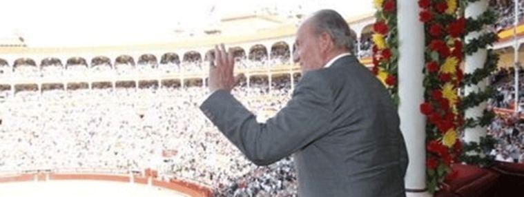 Juan Carlos I `escoltado´por Casado y Abascal en Las Ventas