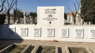 Retiran el último vestigio de la Legión Cóndor en el cementerio de La Almudena
