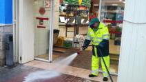 Se amplía desinfección con hipoclorito a supermercados y galerías de alimentación