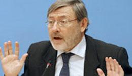 Lissavetzky denuncia que no se ha reparado el techo del Antonio Machado