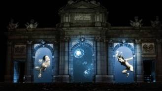 El arte toma Retiro, Cibeles o laa Puerta de Alcalá con la `Luna de Octubre´