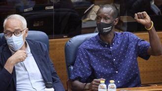 Monasterio incendia la investidura al acusar al diputado Mbayé de entrar ilegalmente en España