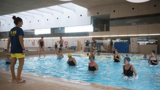 El Ayuntamiento organiza un maratón de natación solidario en el Día contra el Cáncer