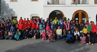 Un centenar de vecinos participan en la Marcha Saludable Solidaria