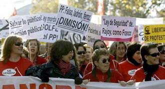 """La `Marea Blanca´ toma la calle para protestar contra """"la corrupción y la privatización """" de la Sanidad"""